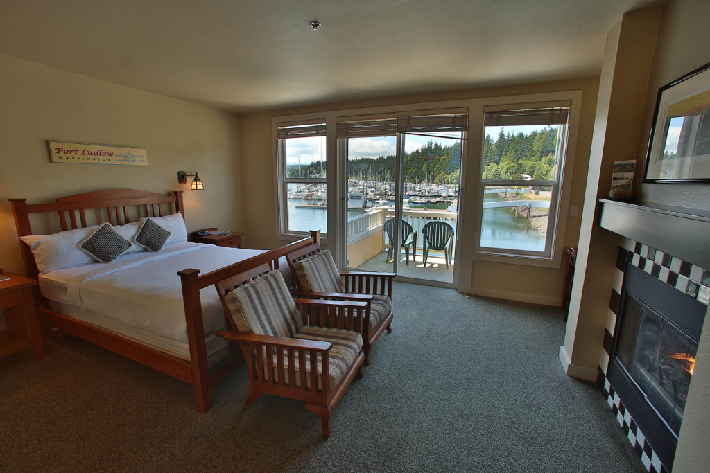 Lodging, Guest Room, Waterfront Inn
