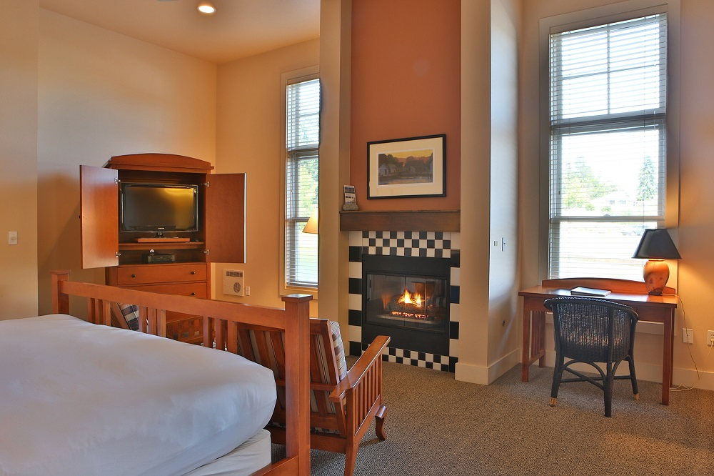 Fireplace, Guest Room, Lodging, Resort, Inn, Olympic Peninsula