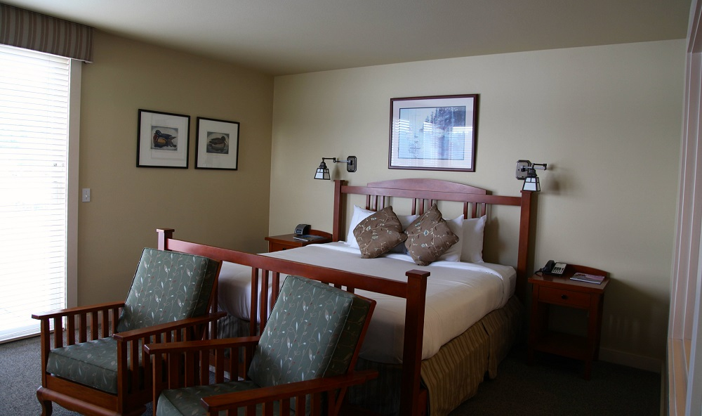 Bed, Guest Room, Resort, Olympic Peninsula, inn
