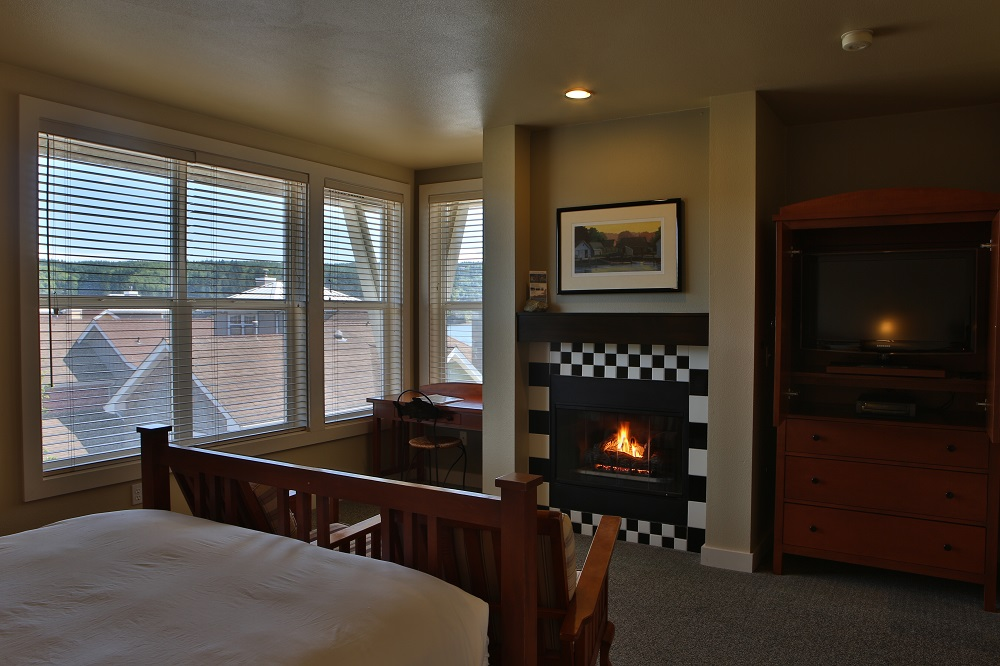 Fireplace, Guest Room, Lodging, Resort