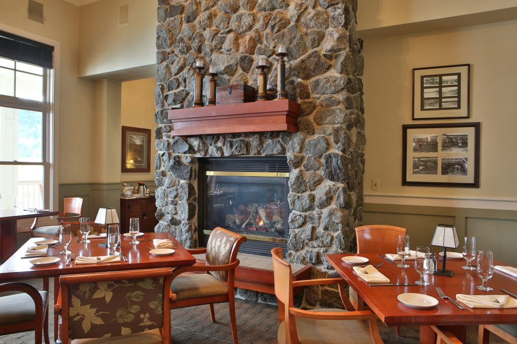 Fireplace, Dining, Waterfront, Farm to Table
